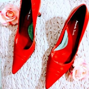 Amanda Smith red heels size 6.5